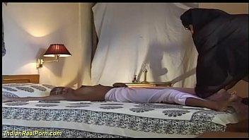 युवा बस्टी इंडियन टीन आनंद मिलता है उसकी पहले बड़ा कॉक सेक्स